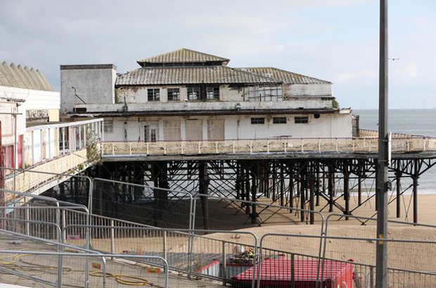Fire at Colwyn Bay Pier caused by contractors.