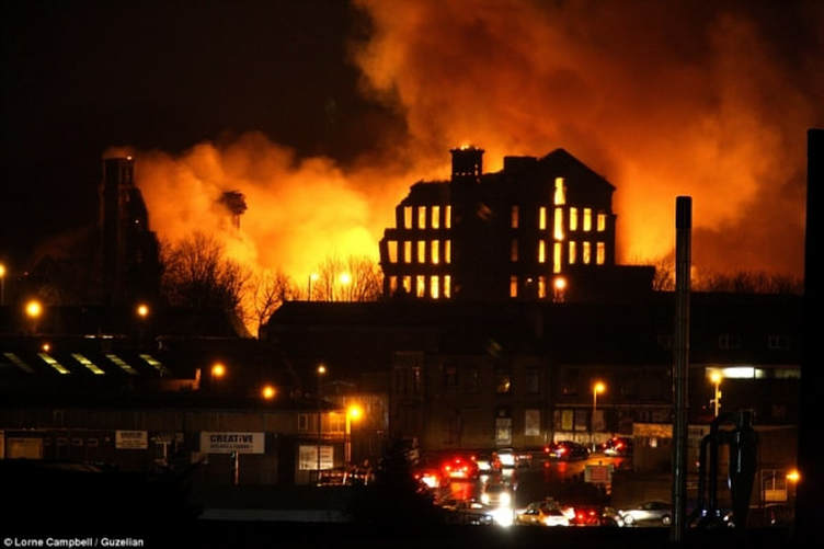 Fire at Grade II listed four-storey Drummond Mill in Manningham, Bradford - 28 January 2016